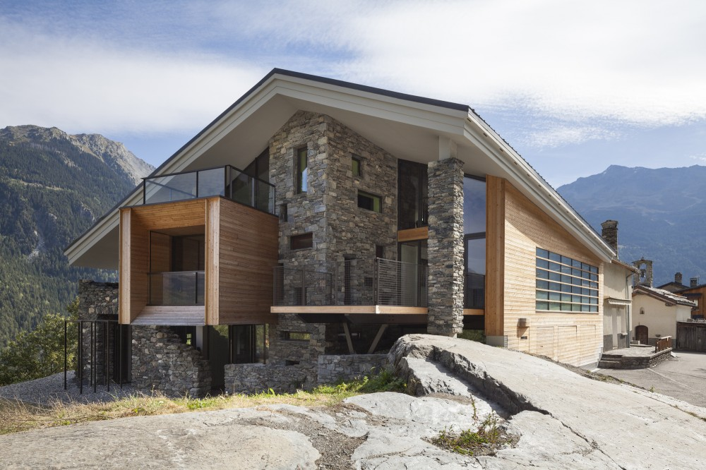 50ee6d49b3fc4b29ee000056_mineral-lodge-atelier-d-architecture-christian-girard_ml34_2880dpi-1000x666