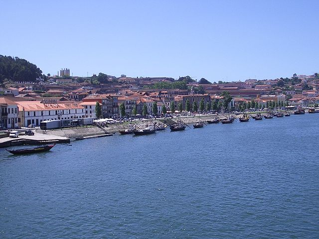 Europe-Portugal-sea-village-boats-side