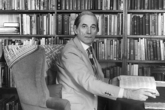 Alan Davidson in his study by Cressida Pemberton-Pigott