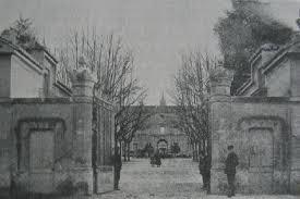 Entrada principal del asilo de Montdevergues