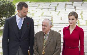 King Felipe VI, Juan Goytisolo and Queen Letizia at Thursday's ceremony / EDUARDO PARRA (GETTY IMAGES )