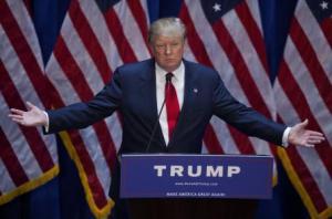 Donald Trump busca la presidencia de los Estados Unidos en medio de la polémica por sus declaraciones en contra de México. (Bloomberg)